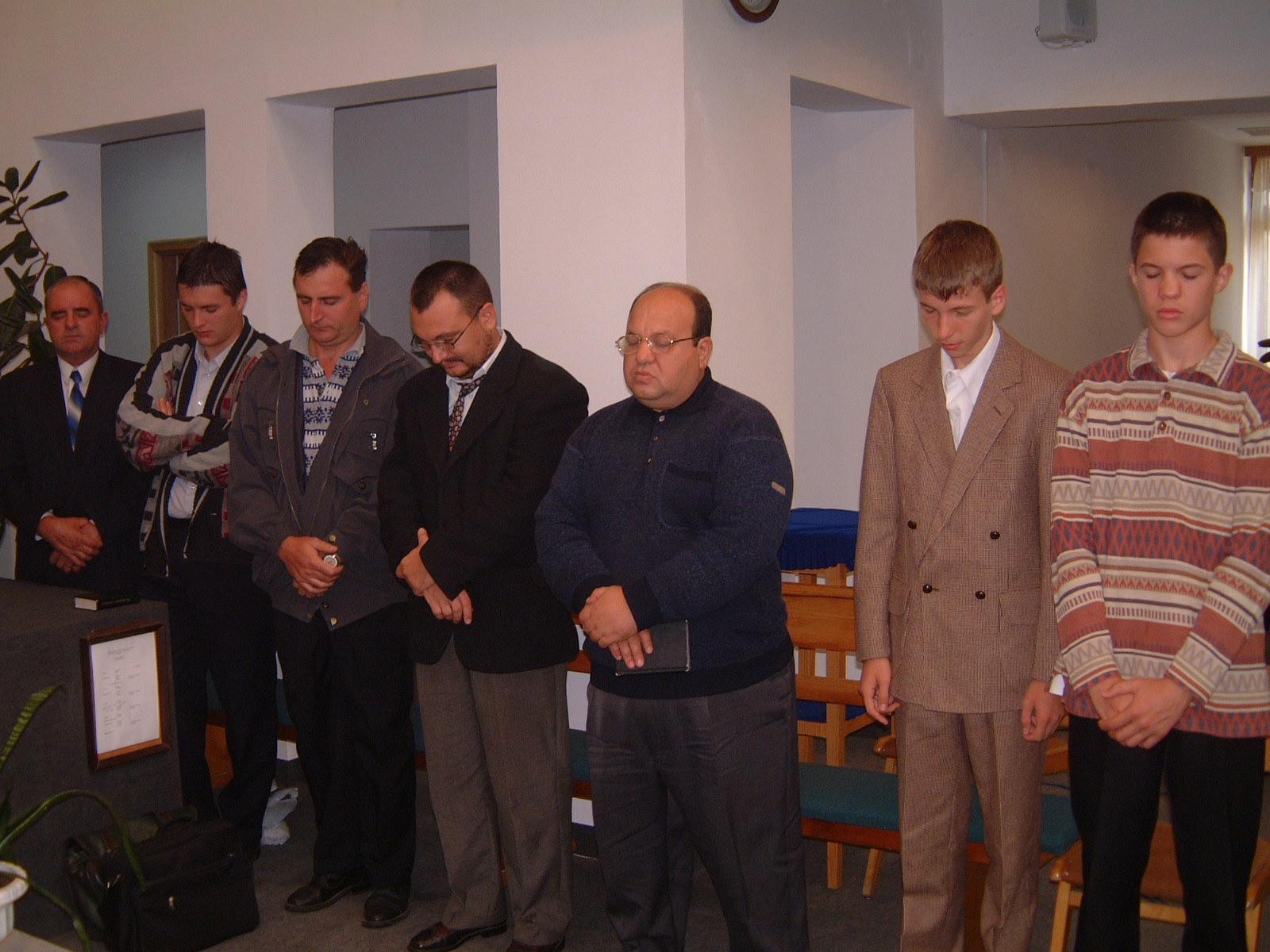 FLORIN TUDOR SI BOGDAN BOICECOFSCHI LA RUGACIUNEA DE BINECUVANTARE DUPA BOTEZ 22 AUGUST 2003