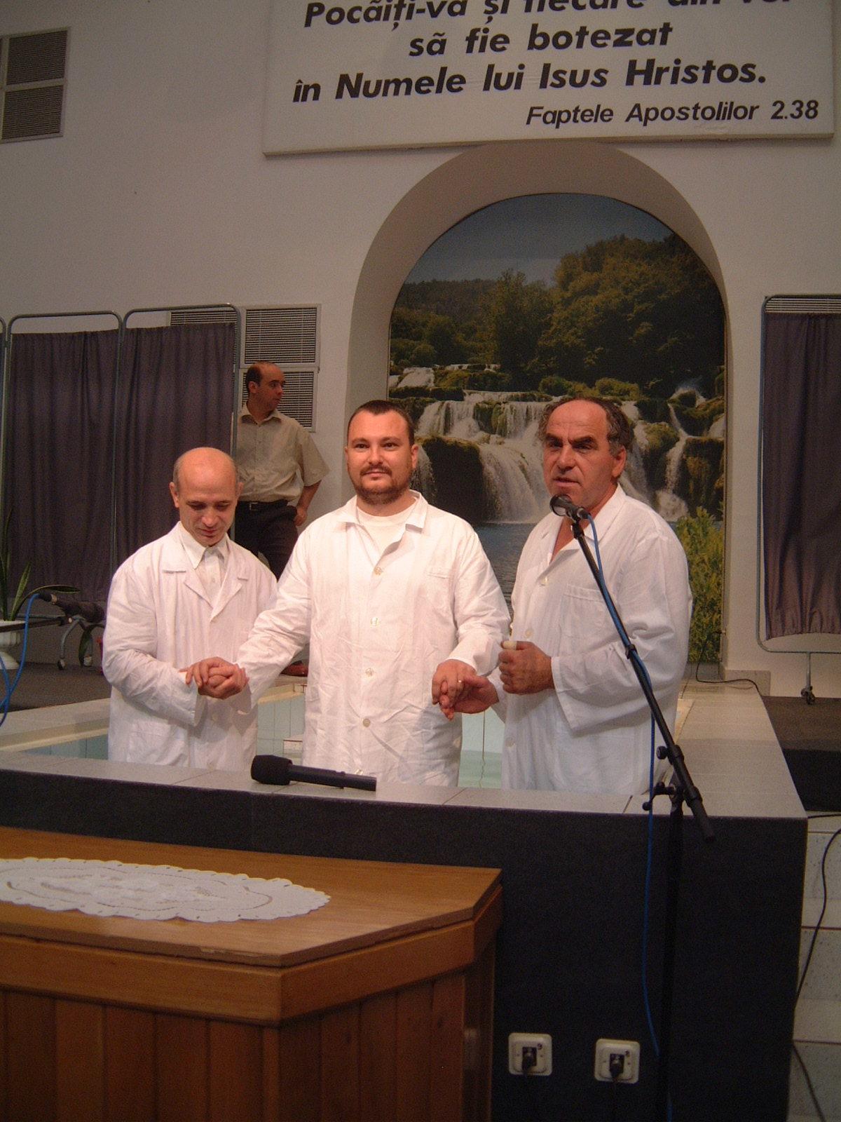 FRATELE BOGDAN BOICECOFSCHI IN TIMPUL BOTEZULUI - 22 AUGUST 2003