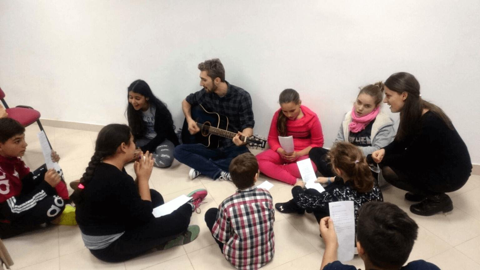 TINERI CRESTINI DUPA EVANGHELIE DIN BISERICA ANTIOHIA IN MISIUNE LA CHITILA