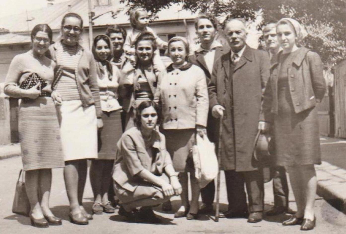 GHEORGHE OPREA TEODORESCU (1895-1982) SI CATIVA TINERI AI VECHII BISERICI CRESTINE DUPA EVANGHELIE DRAGOS VODA DIN BUCURESTI