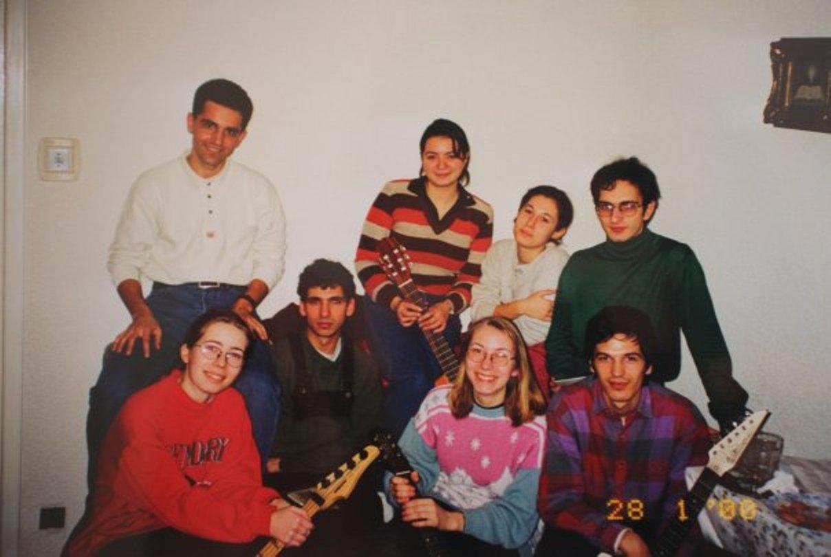TINERI DIN BISERICA CREȘTINĂ DUPĂ EVANGHELIE DRAGOȘ VODĂ BUCUREȘTI (1999)