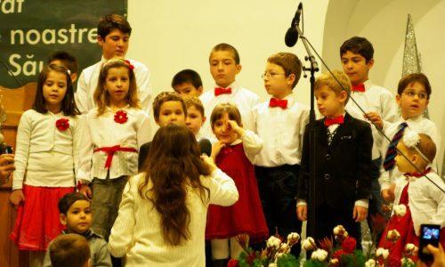 Copiii Bisericii Antiohia cântă despre măreția Creatorului