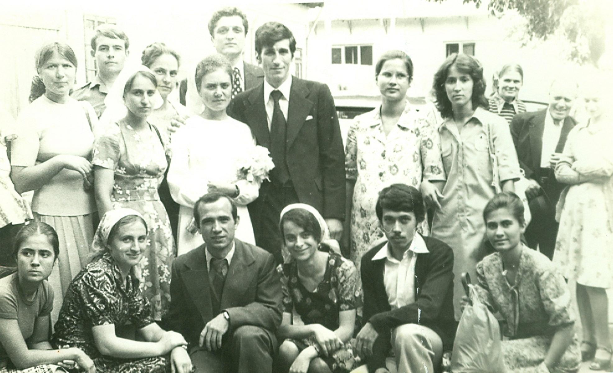 REMI GIUROIU, EUGEN LUPU SI CORNEL DARAGIU LA O NUNTA - BISERICA CRESTINA DUPA EVANGHELIE DRAGOS VODA BUCURESTI 1978