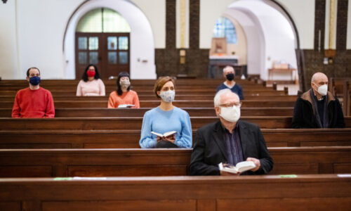 ORDIN PRIVIND DISTANȚAREA FIZICĂ OBLIGATORIE DE MINIMUM UN METRU ÎNTRE CREDINCIOȘII AFLAȚI ÎN BISERICĂ SAU ÎN CURTEA BISERICII